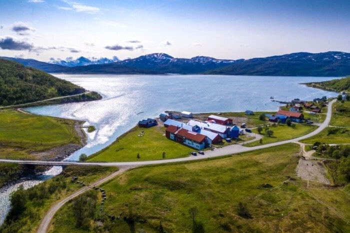 Oversiktsbilde Landanlegget og Fiskehelselaboratoriet